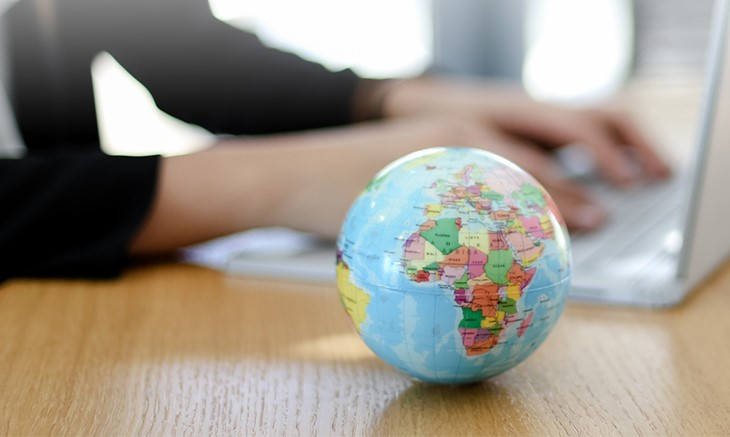 Think Global, act local !